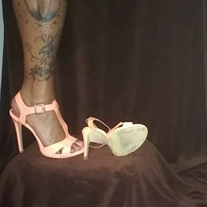 Shoe Dazzle Shoes - size 8 heels